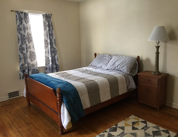 Spacious 2nd Bedroom in Glynn Charmer