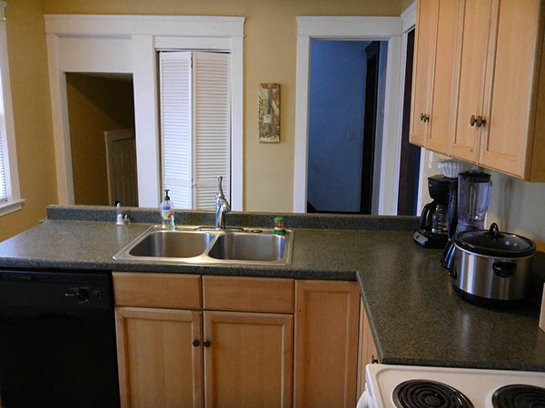 Cleveland Heights Fully Equipped Kitchen