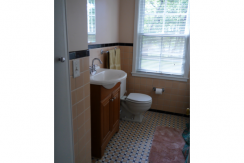 Hollister Beauty Single Family Home - Bathroom