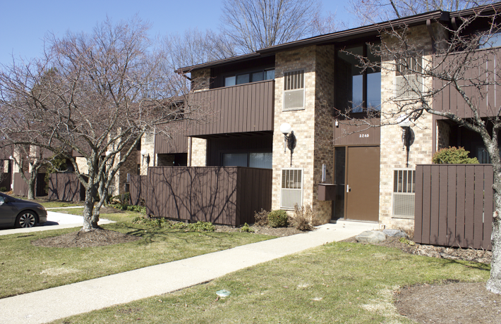 Mayfield Road Cleveland Heights Condo Exterior Photo
